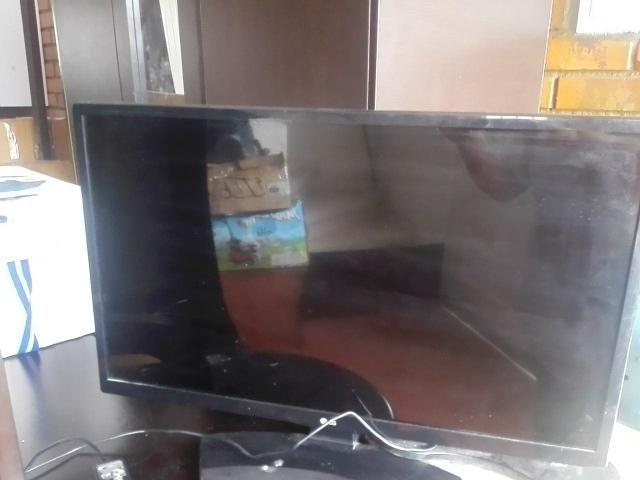 Vendo televisor motivo de viaje