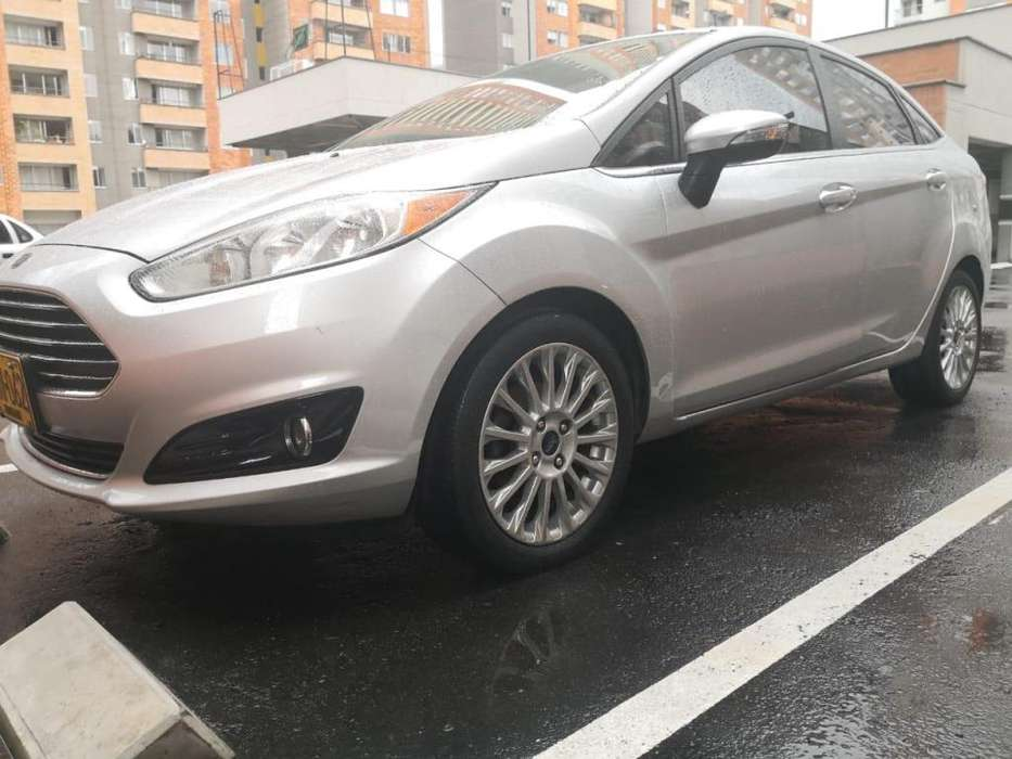 Ford Fiesta  2014 - 89000 km