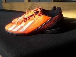 Pupillos Adidas F5