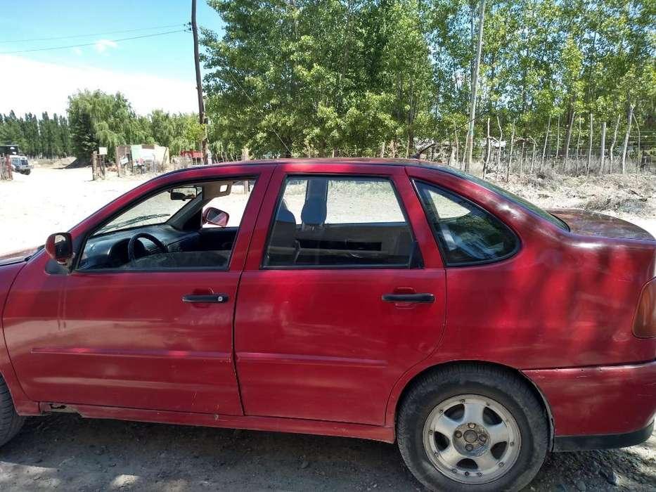 Volkswagen Polo 1999 - 283500 km