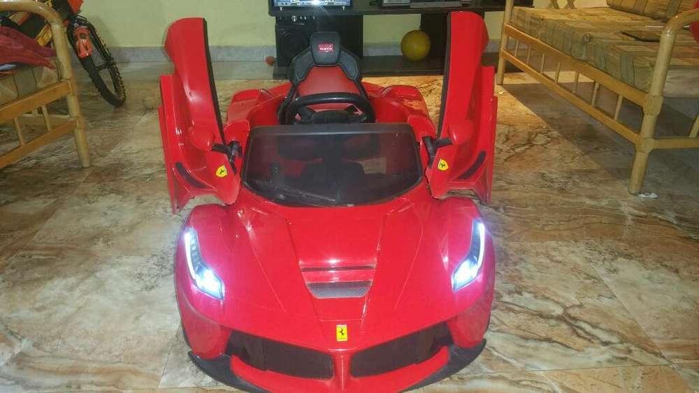 Auto Ferrari en Venta Llamar 0980970747