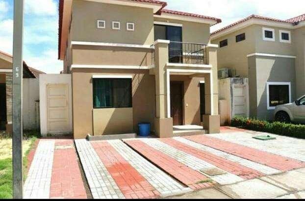 Renta de Casa en Urb.<strong>ciudad</strong> Celeste, Via Samborondon, cerca plaza del Batán