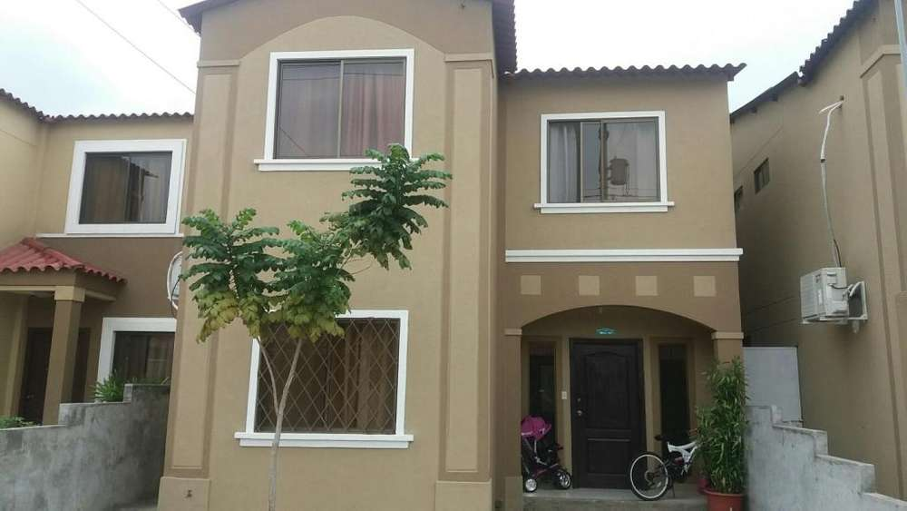 Vendo Casa Urbanización La Joya