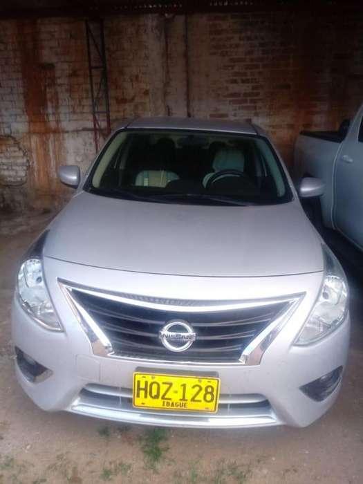 Nissan Versa 2015 - 127000 km