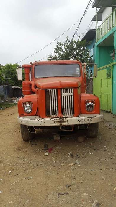 Vendo Scania Del 75