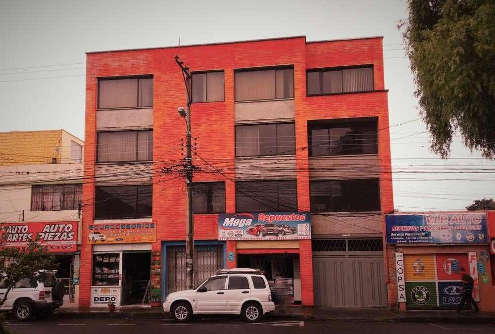 Edificio en Venta, Av. Jaime Rivadeneira