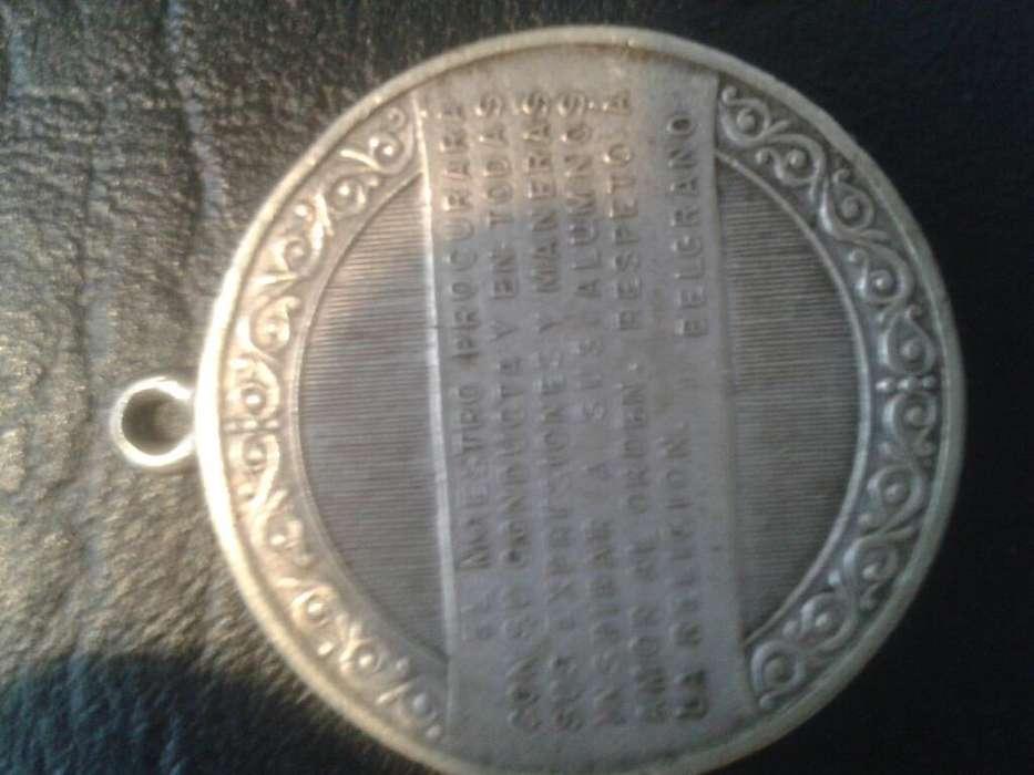 Vendo Medalla Del Consejo de Educación 3