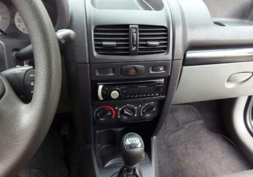 Renault Clio  2008 - 83000 km