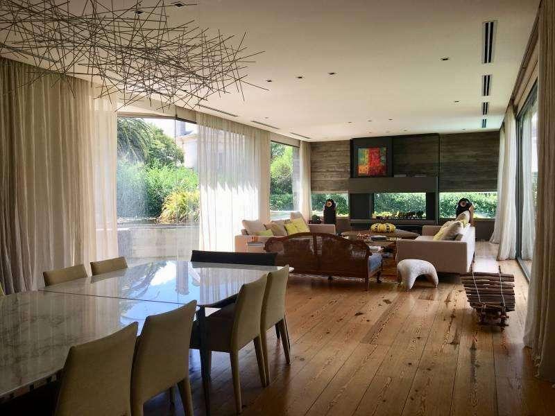 Casa de increible diseño construida por Andres Remy en alquiler temporal.