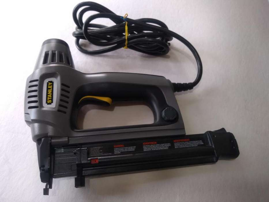 Pistola Oara Clavos Electrica Stanley