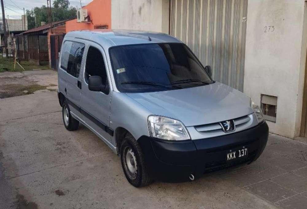Peugeot Partner 2011 - 150000 km