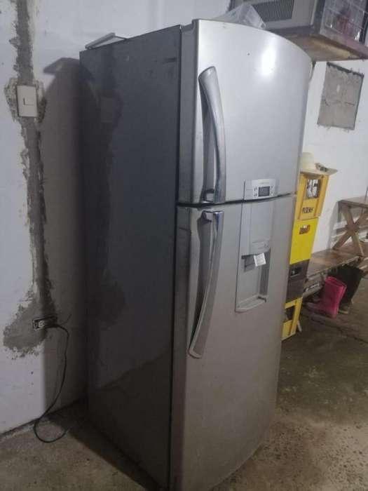 Refrigeradora y cocina