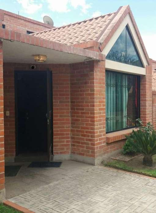 Casa En Venta Sector Pomasqui En El Conjunto Casas Del Campo Con 134 mt2