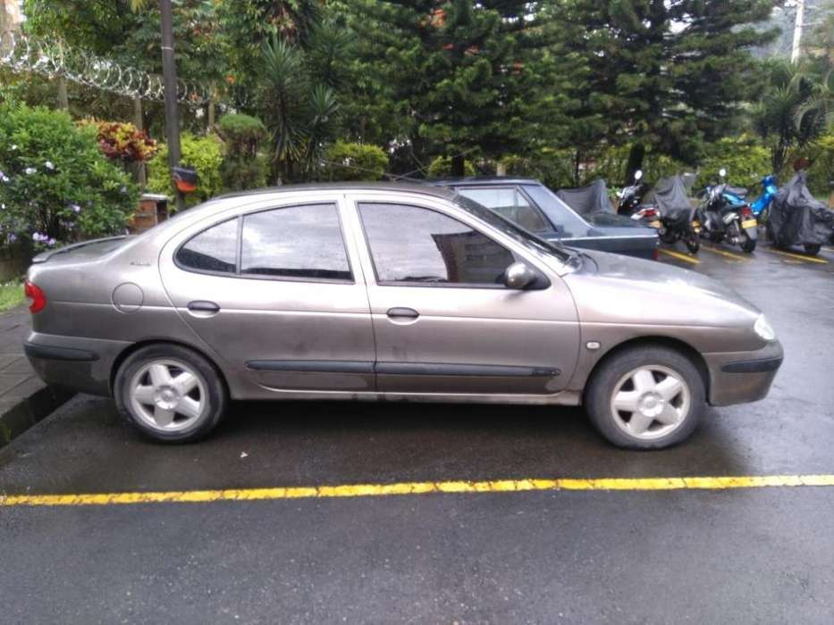 Renault Megane  2004 - 178900 km