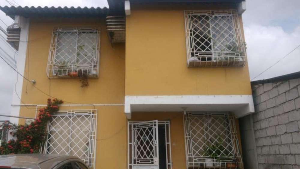 Se Vende Casa en Mucho Lote