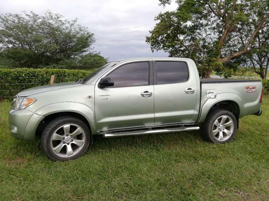 Toyota Hilux 2007 - 20010000 km