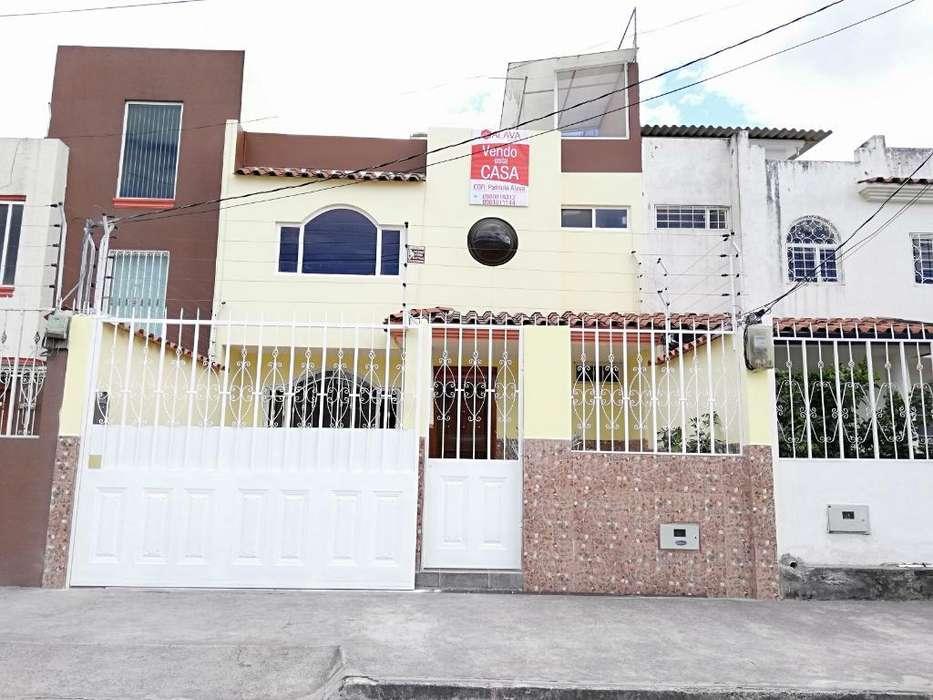 Venta de Casa en La Av. Eugenio Espejo