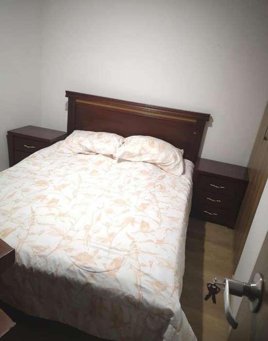 <strong>cama</strong> doble con nocheros y colchón