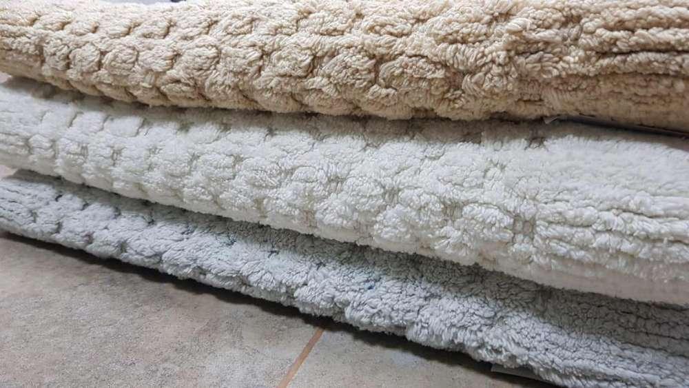 Alfombra De Baño- 60x80cm - 100% Algodón - Base Antideslizante