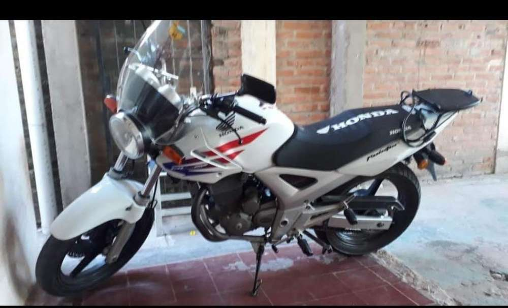<strong>honda</strong> Twister impecable