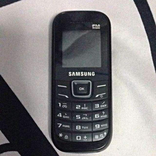 Celular Samsung como nuevo,libre a todo operador,entrego con el cargador,3148318930