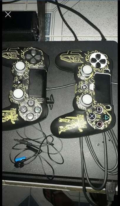 Play Stations 4 Slim