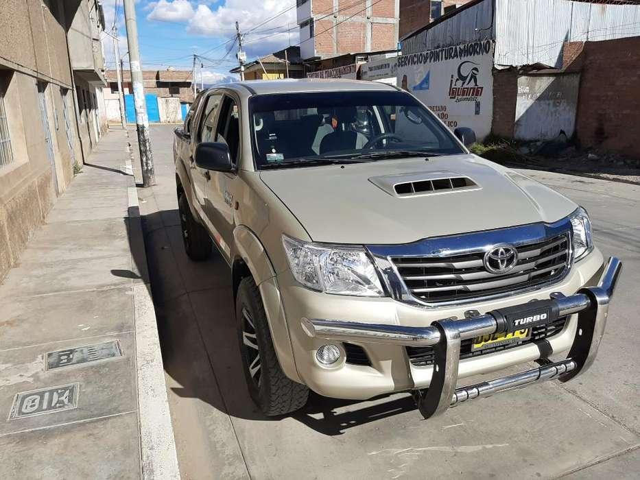 Toyota Hilux 2012 - 66200 km