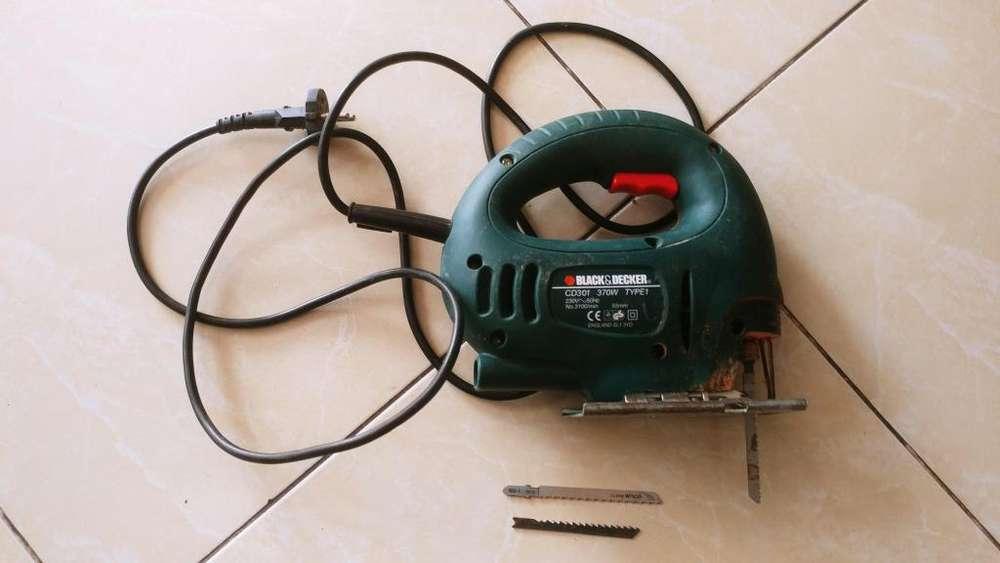 sierra Caladora Voltaje 220 V... Precio 100.000