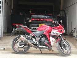 Vendo O Permuto X Scooter Honda Cvr 250
