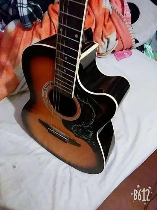 Vendo Guitarra Acustica Estado 8/10