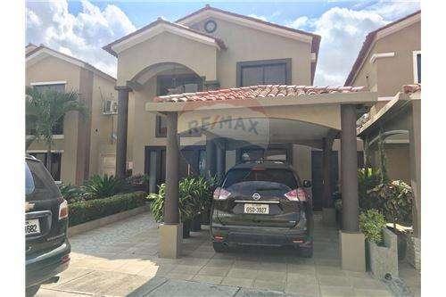 Venta de Hermosa casa en Ciudad Celeste via samborondon, Libia Torres