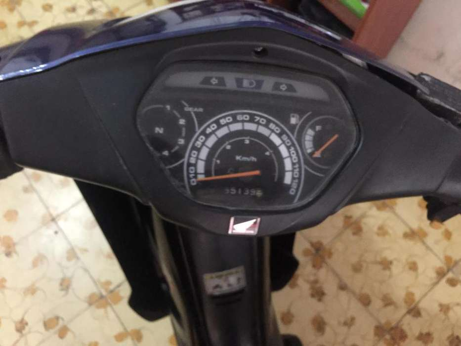 Vendo moto wave 2 con papeles Negociable