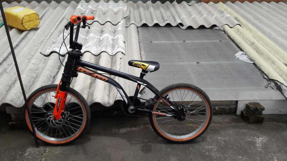 Vendo bicicleta de bmx 550000