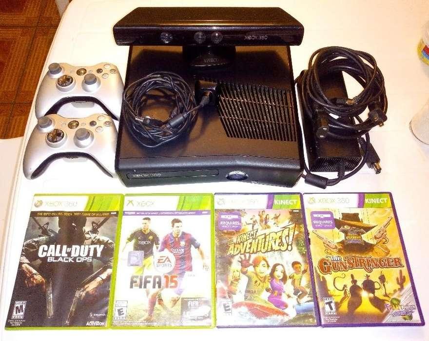 Xbox 360 Slim 4GB Original con kinect, 2 controles, 4 Juegos, y todos sus cables