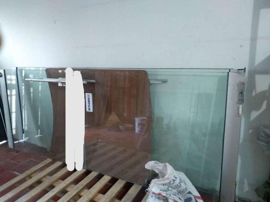 Vendo 2 puertas en vidrio templado de 10 mm de segunda