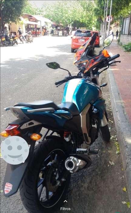 Moto Fz-s