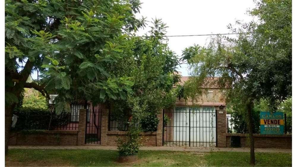 General Lopez 1550 - UD 180.000 - Casa en Venta