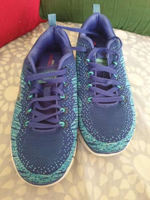 Tennis azules Sketchers. Talla 6US