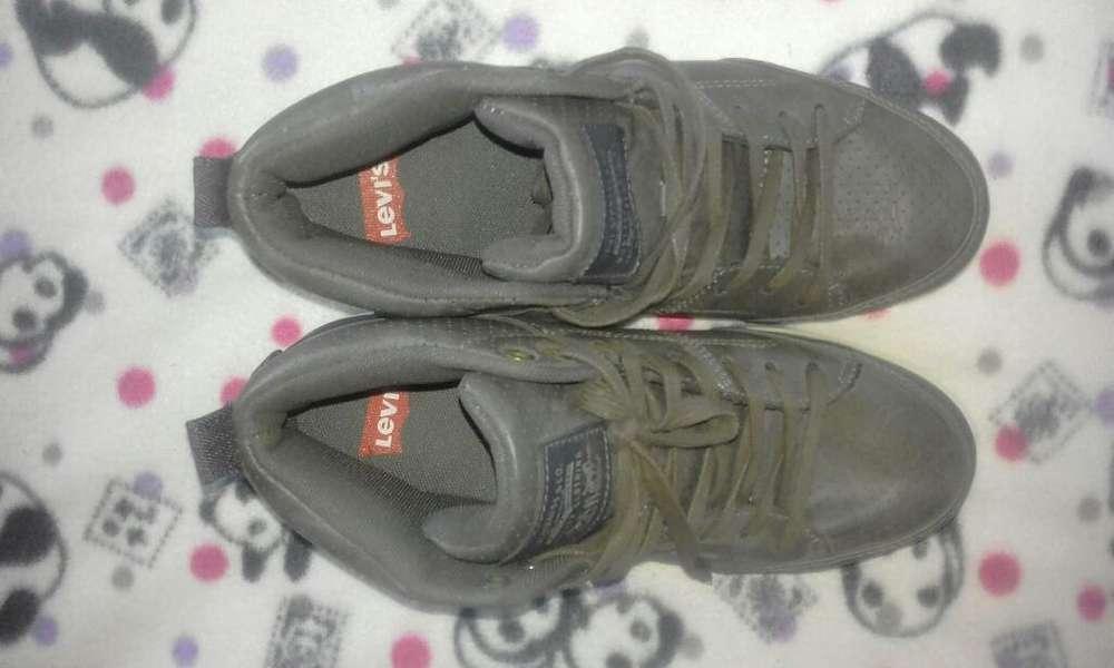 Vendo Par de Zapatos Talla 38
