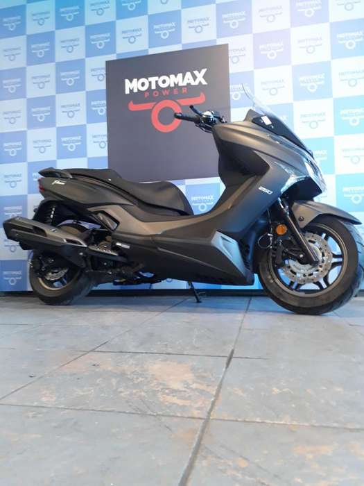 Kymco X Town 250 I / <strong>scooter</strong>