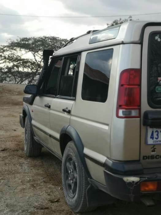 Land Rover Discovery 2001 - 30000 km