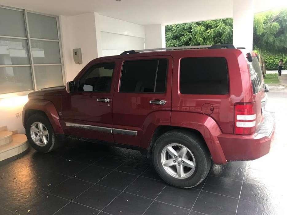Vendo Jeep Cherokee Venezolana 2008