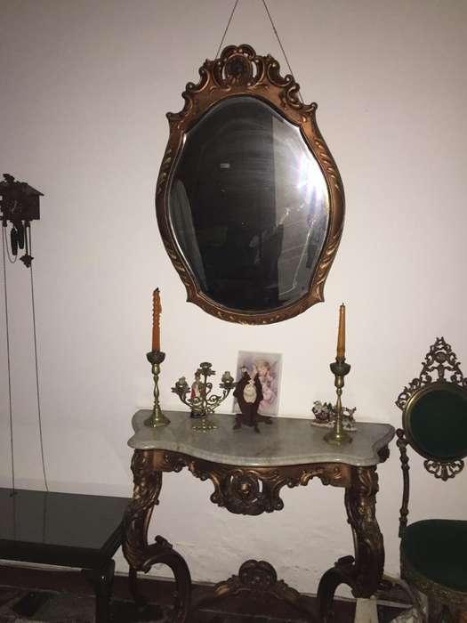vendo muebles antiguos en madera muy fina llamar 3132236581