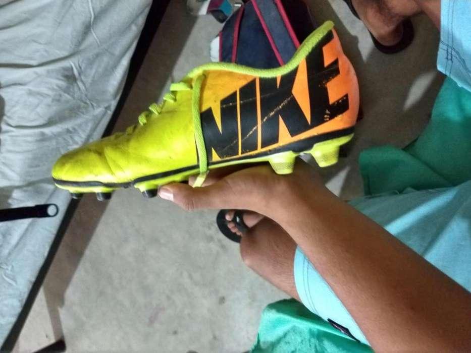 Chimpunes Nike