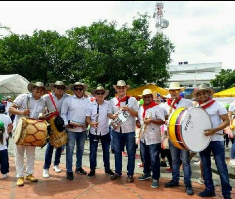 Grupo de Tamboras O Banda Papayera
