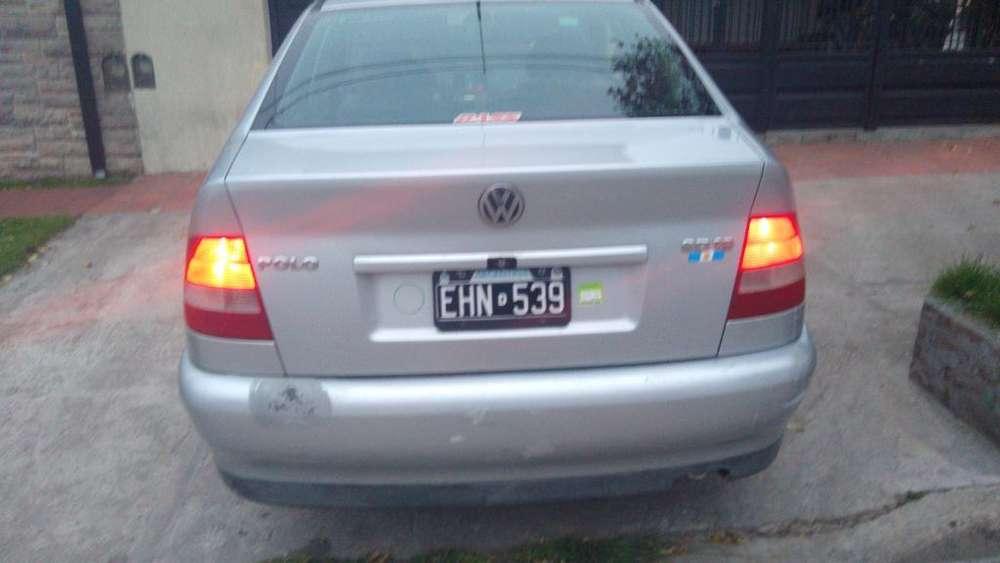 Volkswagen Polo 2004 - 10000 km
