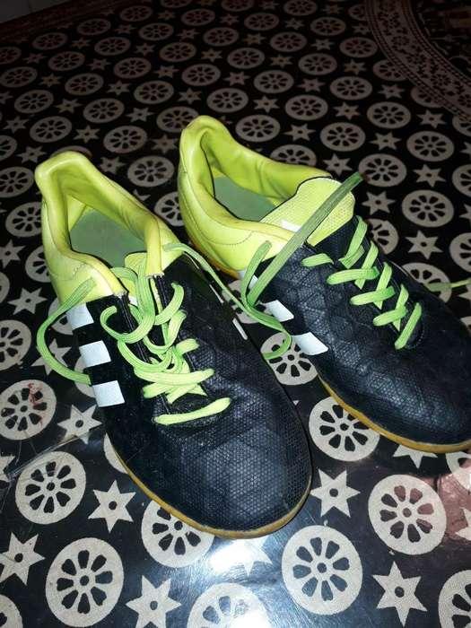 Zapas Adidas de Futbol 5
