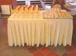 Estacion de CAFE, refrigerios, tortas , pasabocas, fuente de chocolate, decoracion