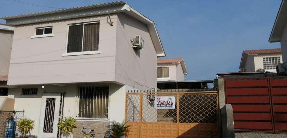 Vendo, casa de dos pisos en Sariland - Manta