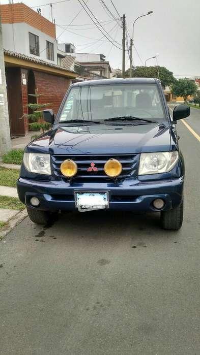 Mitsubishi Montero 2003 - 95000 km